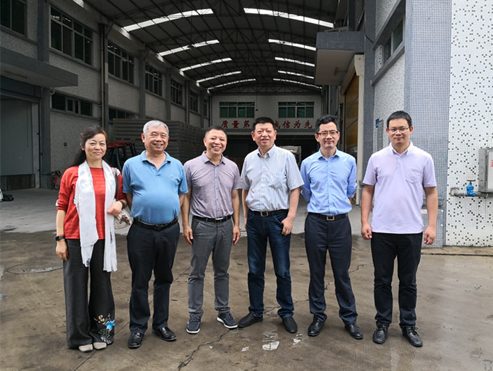 广东食品药品职业学院院领导到访东泰乳业产品研发中心